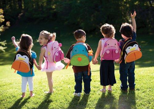 Детето во училиштето е потребно не само да учи туку и да се приспособи кон друштвото на голем број други деца, кон непознато возрасно лице (наставничка) и кон извесна училишна дисциплина.